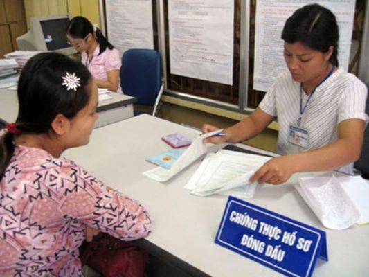 Quy trình thực hiện dịch vụ cong chứng tại văn phòng công chwunsg tại quận Hoàn Kiếm